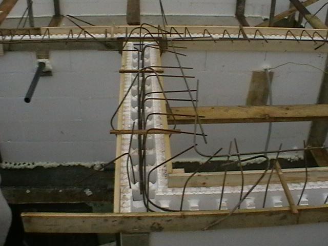 16 Detail bednění věnce